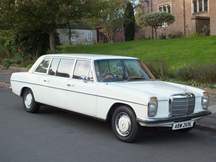7 Seater Stretch Mercedes Limo