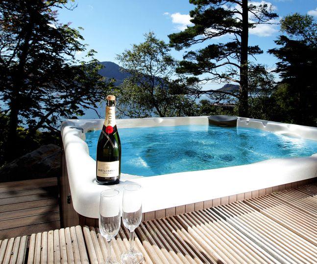 Hot tub highland hideaway