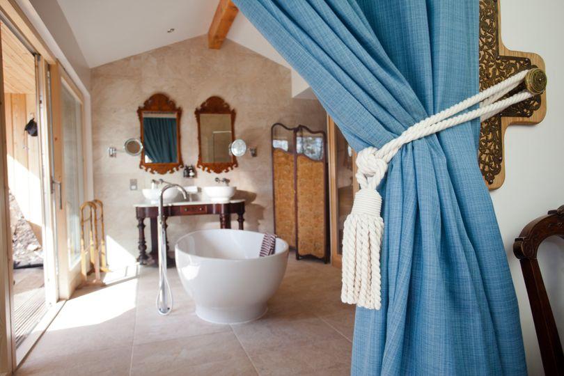 Freestanding bath and sauna
