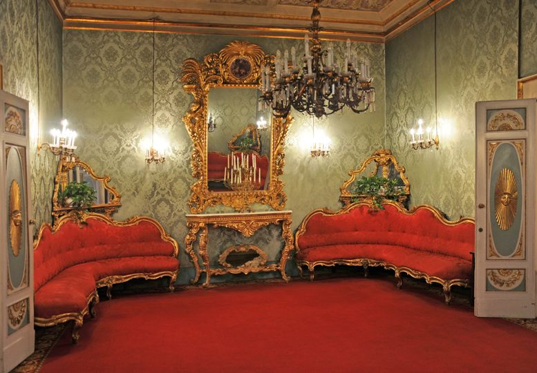 Palazzo Borghese 16