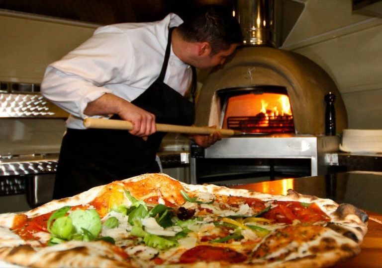 flame baked pizza 01 4 118178