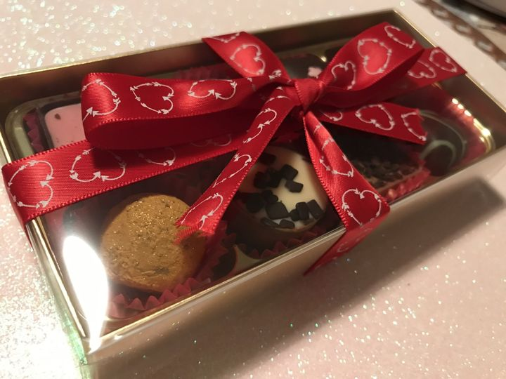 Favours Lola's Chocolate Box 25