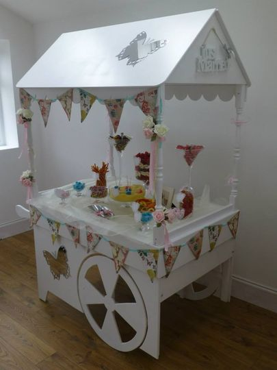 Glassware candy cart