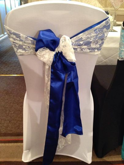Double sash with lace