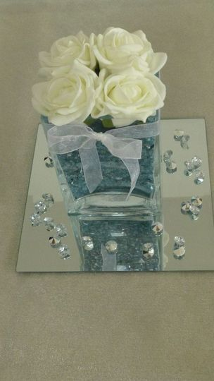Blue/Ivory table centrepiece