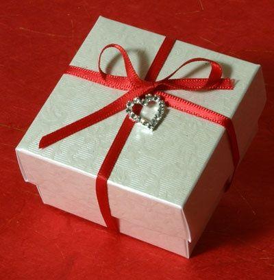 Read Diamante Heart Favour Box