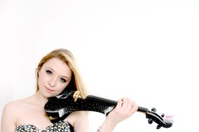Amy Fields - Classical and Electric Violinist