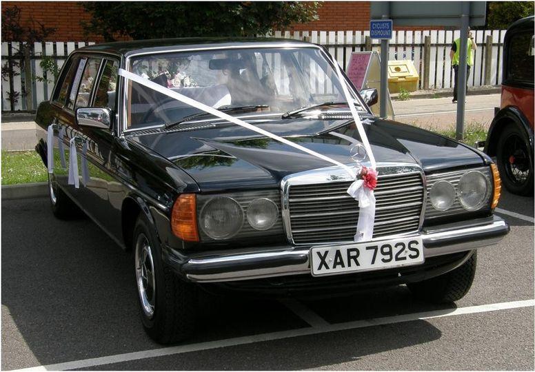 Mercedes Limousine 7 seats (1