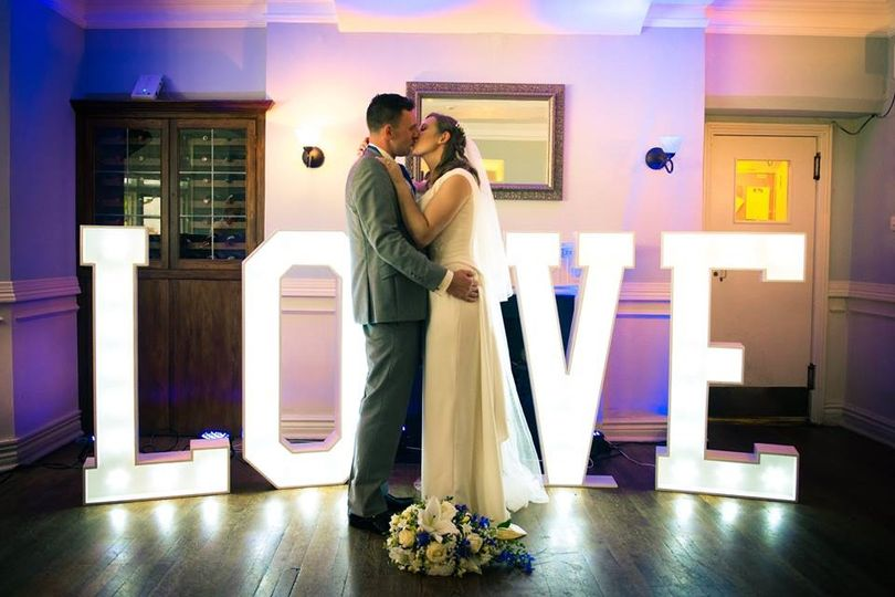 Love is in the air - first dance