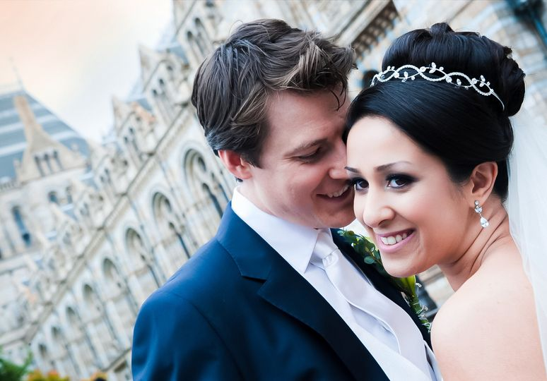 Dynamic wedding portraits