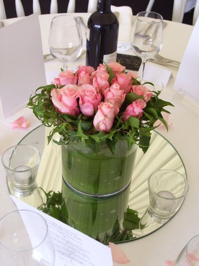 Rose and ivy table centre