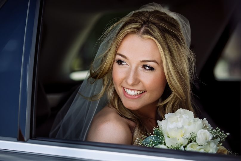 Photographers Doville Gail Photography - Beaming bride