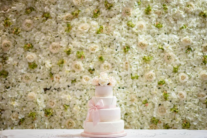 Book a flower wall for your wedding