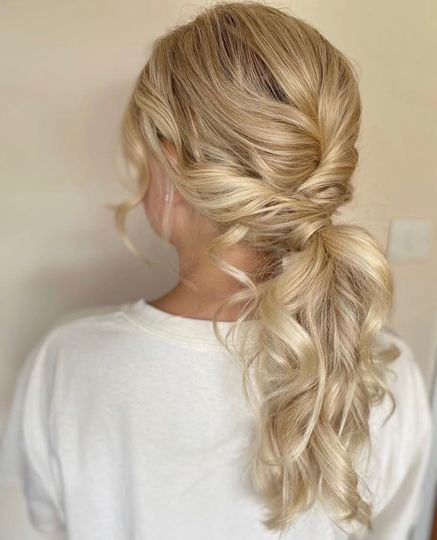 Messy-chic hairstyle