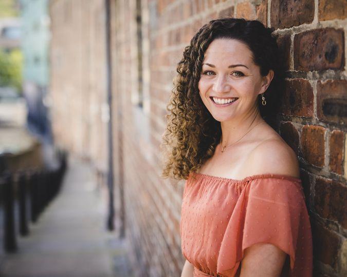 Jessie Bates (vocalist)