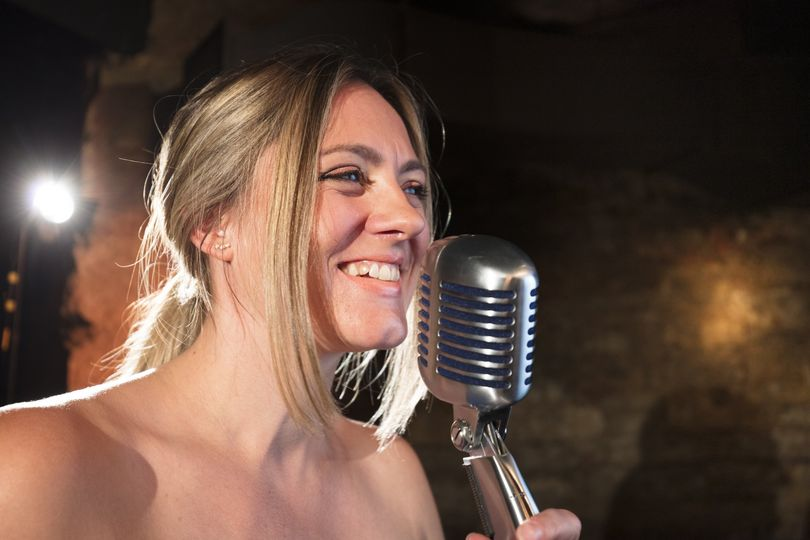 Stacey Bell (vocalist)