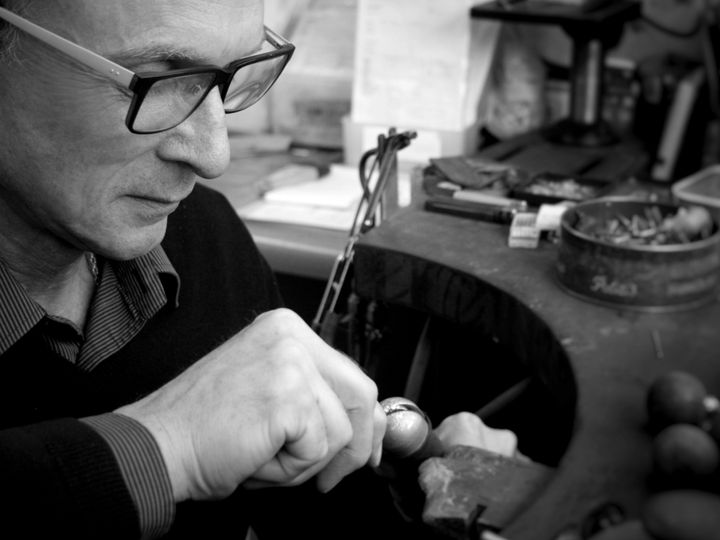 A goldsmith at work