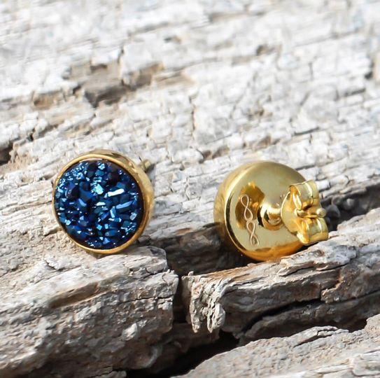 Gifting earrings