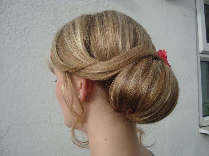Elegant wedding hair style