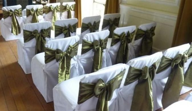 Covers with olive green sashes