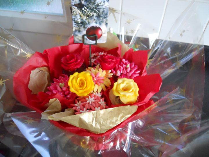 Cupcake bouquet perfect for centre piece on the table or a gift to guests