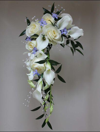 Crescent shower bouquet