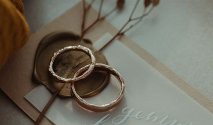 Molten Wedding Ring Company