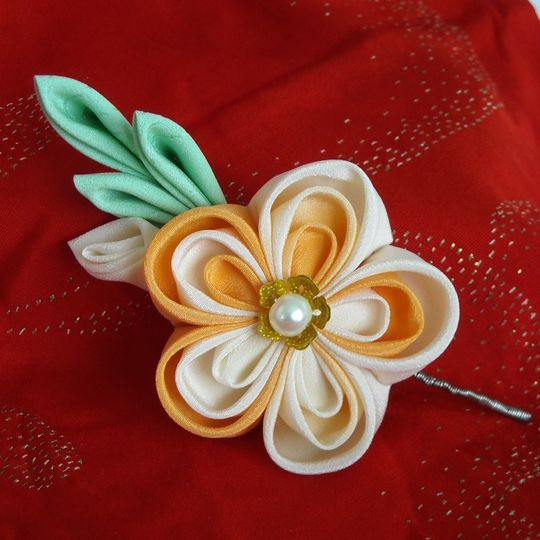 Peaches and Cream Boutonnieres