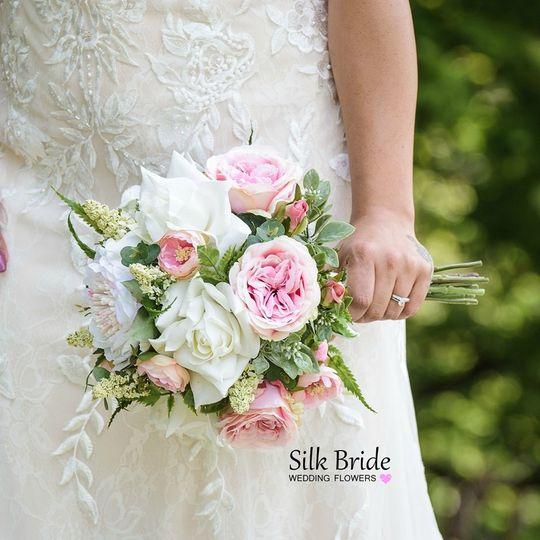 florist silk bride w 20190731032733774