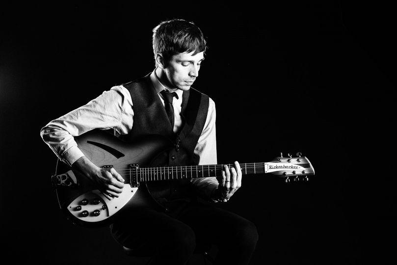 Music and DJs Darren Jones (Acoustic Wedding Singer) 9