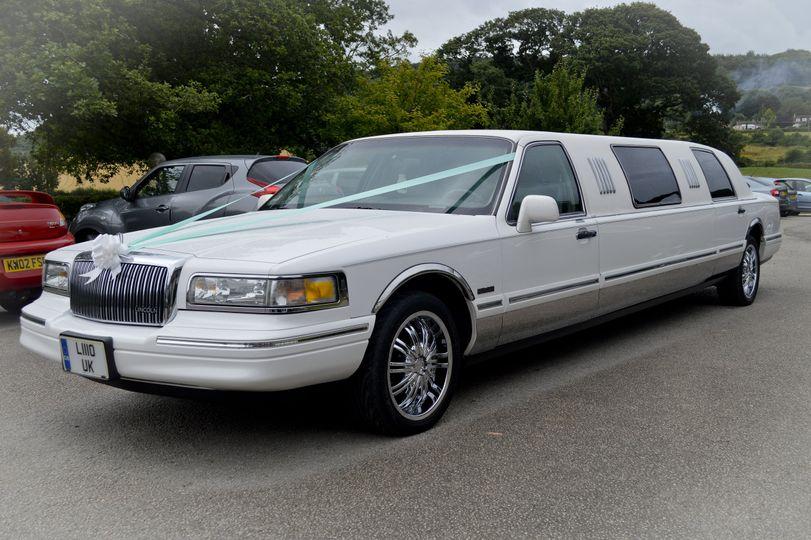 Lola limousine