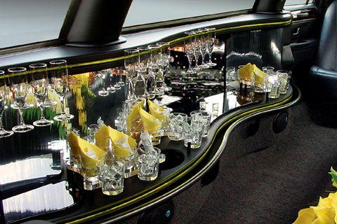 Limousine silver 8 passenger