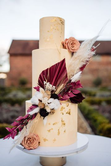 Contemporary dried flowers