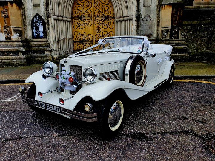Front view Beauford Bentley replica
