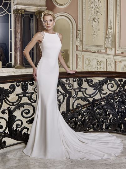 Sophisticated wedding gown