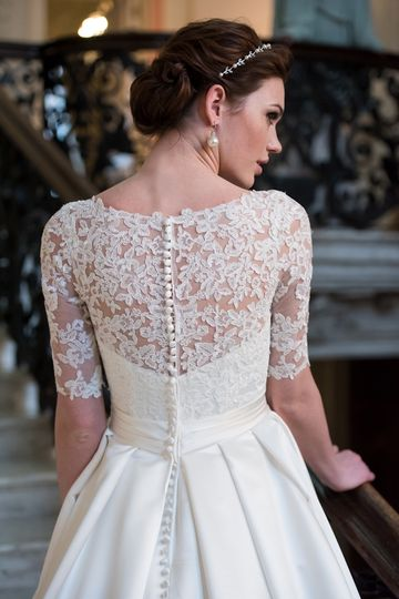 Lace sleeves for a vintage look