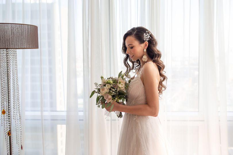 Bride morning prep