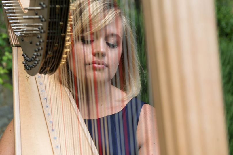 Music and DJs Nicola Veal - Harpist 22