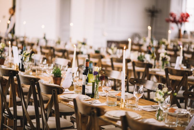 Banquet table centres