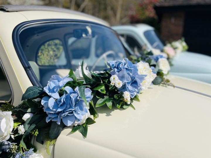 Beautiful garlands included