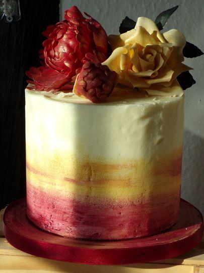 Single tier cake & flowers