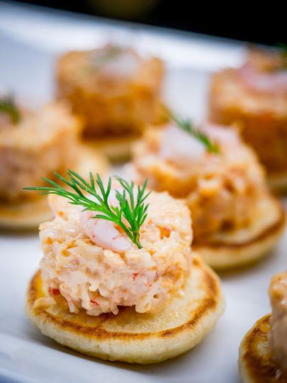 Crab and prawn bellini