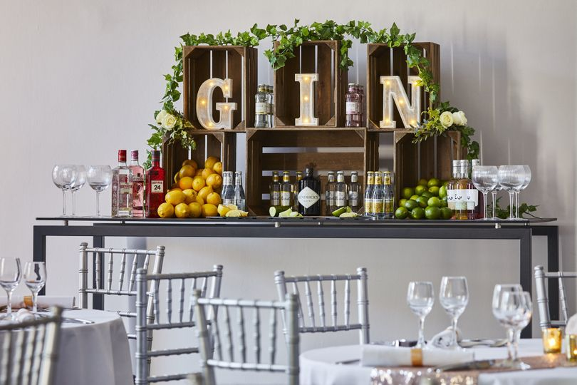 Gin Bar