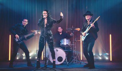 Twist of Rock wedding band 1
