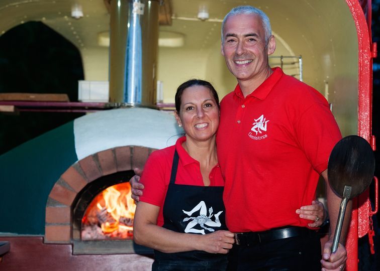 Catering Cacciatores Wood Fired Pizza 2
