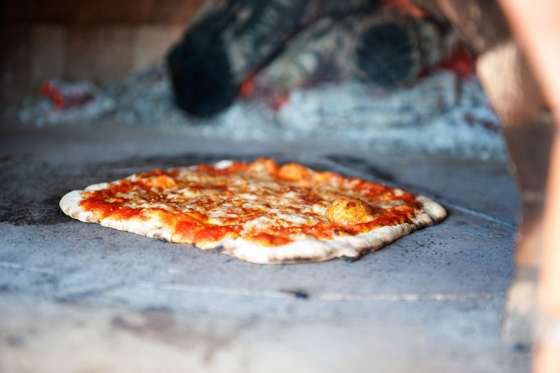 Catering Cacciatores Wood Fired Pizza 33