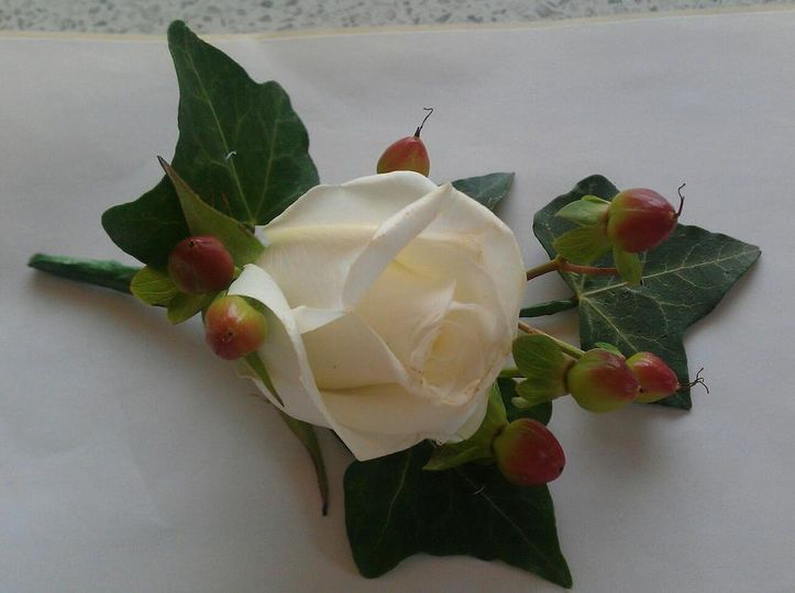 White Rose and Hypericum Butto