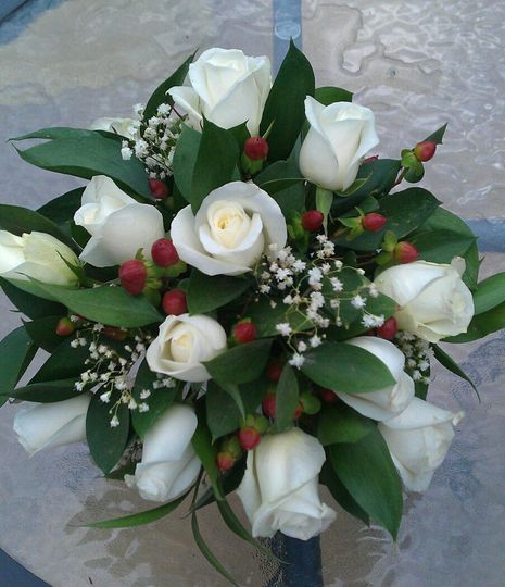 White rose and Hypericum posy
