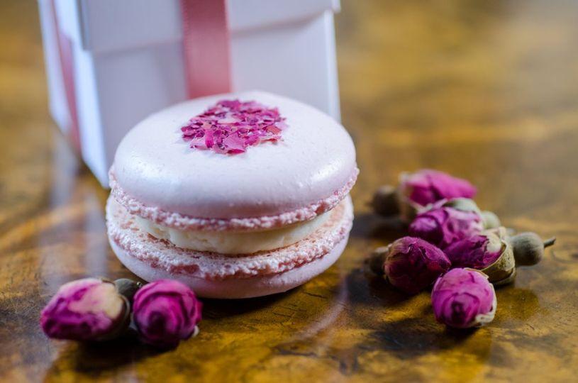 Rose macaron wedding favour