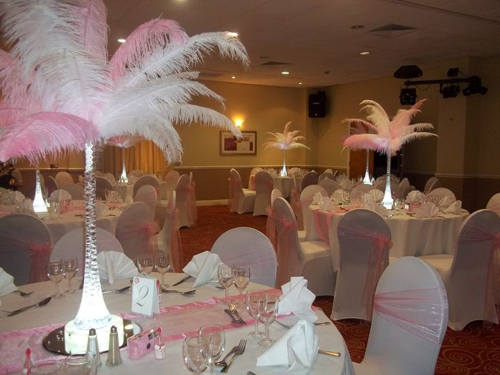 PInk & white feather displays